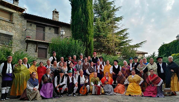 Grupo Folklorico Alto Aragón en Bailo